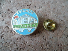 PIN'S AVIGNON  HOTEL ABACA - Villes