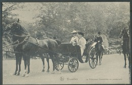 C.P. De BRUXELLES Avec La Princesse Clémentine En Promenade Dans Sa Calèche Tirée Par 2 Chevaux Le 28 Oct 1910 -  13952 - Personnages Célèbres