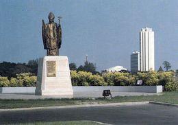 1 AK Elfenbeinküste Côte D'Ivoire * Statue Von Papst Johannes Paul II. In Abidjan * - Elfenbeinküste