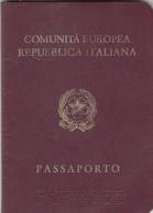 PASSAPORTO /  PASSAPORT  -  Repubblica Italiana _  Marche Da Bollo Italiane Ed Estere _ Fiscali - Documenti Storici