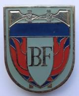 Rare Insigne De Pompier De La Banque De France - Firemen