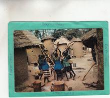 AFRIQUE EN COULEURS SCENE VILLAGEOISE PILEUSES - Other