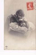 Grete Et Hanni Reinwald Devant Le Berceau - Portraits