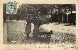 Cp Paris VI. Arrondissement Luxembourg, Deux Femmes Avec Charrette Dans La Rue - France