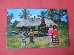 Musa Isle Indian Village    Seminole Indians--------->   Ref 3364 - Native Americans
