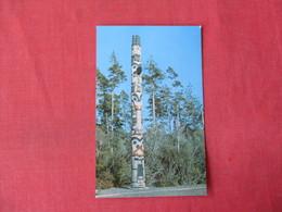 Haida Style Totem Pole  Oregon ------>   Ref 3364 - Native Americans
