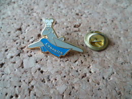 PIN'S   AVION TOQUE CUISINE - Airplanes