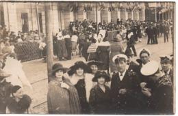 Marin C.1905 Carnaval De Nice Bataille Des Fleurs Carte Photo Jeune Fille Femme - Carnaval