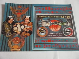 Miniature Sheet Perf Space Exploration 1975 - Guinea-Bissau