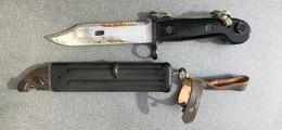 "Baïonnette AKM1 6x3 Ex RDA, Transitoire, Complète ""Modell 79"". - Armes Blanches"