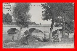 CPA (31) VALENTINE.  Le Pont Sur La Garonne, Animé, Vélo...S1454 - Francia