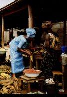 Afrique En Couleurs : Scène De Marché - Cartes Postales
