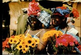 Afrique En Couleurs : Marchande De Fleurs - Cartes Postales