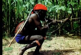 Afrique En Couleurs : Folklore Africain - Danse Des Chasseurs - Other