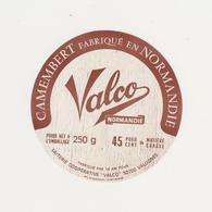 ETIQUETTE DE  CAMEMBERT ISIGNY STE MERE POUR VALCO VALOGNES - Fromage
