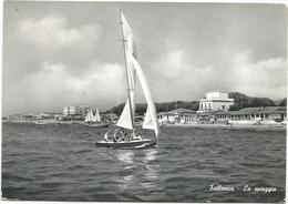 W3063 Follonica (Grosseto) - Panorama Della Spiaggia Dal Mare - Barche Boats Bateaux / Viaggiata 1961 - Italia