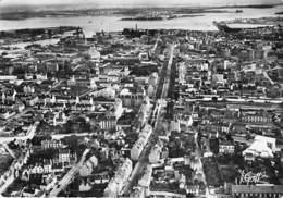 56 - LORIENT : Vue Aéienne De La Ville Vers L'Estuaire - CPSM Dentelée Noir Et Blanc Grand Format - Morbihan - Lorient