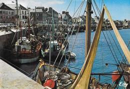 50 Saint Vaast La Houque Le Port (2 Scans) - Saint Vaast La Hougue