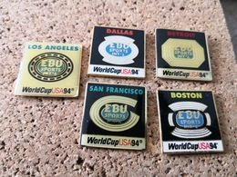 5  Pins Sur La Coupe Usa 94 Boston Dallas Sanfrancisco Detroit Los Angeles - Pin's & Anstecknadeln
