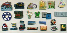 Lot De 23 Pin's Divers - Badges
