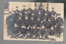 CPA - Milit. - Groupe De Militaires  - 37 Sur Le Képi  - Carte Photo Non Située, Non Datée - - Guerre 1914-18