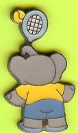 Pin's BD Alexandre Tennis (Babar Éléphant) - 2D20 - Comics