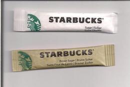 2 Sticks Sucre Blanc Et Roux De Canne - Star Bucks - 2014 Starbucks Coffee Company -- - Sugars