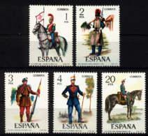 Spain 1977 - Uniformes Militares Ed 2381-85 (**) - Militares