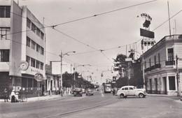 Cpsm 9X14 . PEROU . CALLAO. Avenida Saenz Pena (Banco De Lima / Relojes /  Auto Années 50 ) - Peru