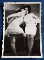Altes SEXY PIN-UP GIRLS Photo > Hübsche Junge Frauen In Unterwäsche > Nice Young Women / Jolie Jeune Femmes (ph82) - Pin-Ups