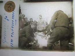 """GRECE - Macédoine - GOUMENISSA ( Gumentzé ) - """" Un Enterrement """" - Rare Plaque De Verre Stéréoscopique  - 1917 - TBE - Glass Slides"""