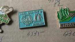 DE BELLOY BALL TRAP - Badges