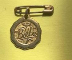 MEDAILLE POUPEE BELLA - Altre Collezioni