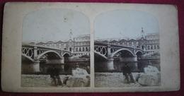 PHOTO STÉRÉOSCOPIQUE - Paris,pont Des Saints Pères Et Le Louvre. - Photos Stéréoscopiques