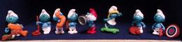 Kinder 2002 : Série Schtroumpfs Comportant 8 Figurines Individuelles Avec Bandelettes De Montage (SUPERBE ! ). - Lots