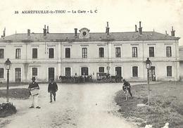 Gare De T H O U  AIGREFEUILLE   Ed : LC   ATTELAGES  Vélo   Journal   Lampadaire - France