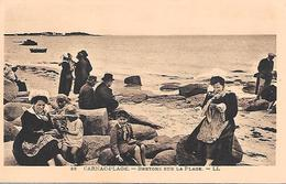 CARNAC Plage ( 56 ) - Bretons Sur La Plage - Carnac