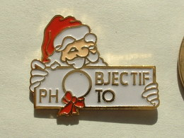 Pin's OBJECTIF PHOTO - PERE NOEL - Photographie