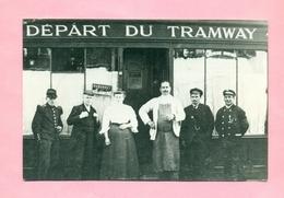 """PHOTOGRAPHIE - PHOTO - COUDEKERQUE BRANCHE Près DUNKERQUE - COMMERCE """" AU DEPART DU TRAMWAY """" ( Collection Wulles ) - Lieux"""