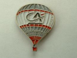 Pin's MONTGOLFIERE - CREDIT AGRICOLE DU SUD EST - Airships