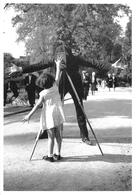 """Robert DOISNEAU - PHOTOGRAPHE - """"LA PETITE MONIQUE"""" - 1933 - BELLE EDITION ARTISTIQUE;éditions Du Désastre - Photographs"""