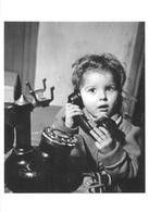 """Robert DOISNEAU - PHOTOGRAPHE - """"AU TELEPHONE"""" - 1947 - BELLE EDITION ARTISTIQUE;éditions Du Désastre - Photographs"""