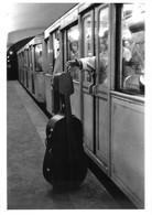 """Robert DOISNEAU - PHOTOGRAPHE - """"AVEC MAURICE BAQUET"""" - PARIS 1957 - BELLE EDITION ARTISTIQUE;éditions Du Désastre - Photographs"""