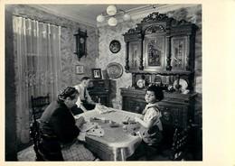 "Robert DOISNEAU - PHOTOGRAPHE - ""LA SALLE à MANGER HENRI II"" - 1953 - BELLE EDITION ARTISTIQUE;Agathe GAILLARD - Photographs"