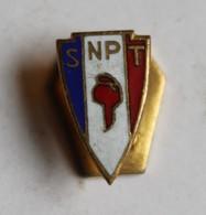 Ancien Insigne De Boutonnière émaillé SNPT Syndicat National Police En Tenue Mardini 5 Rue Chapon Paris Bonnet Phrygien - Polizia