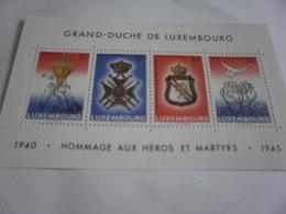 Miniature Sheet Perf  Homege To War Dead Grand-Duche De Luxembourg - Luxembourg