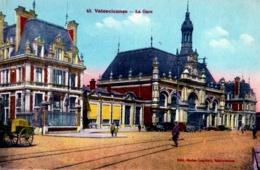 CPA 59 VALENCIENNES N°43 LA GARE ANIMEE AUTOMOBILES COLORISEE EDIT BESLEN LEGRAND VALENCIENNES - Valenciennes