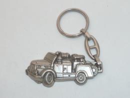 Porte Clefs Sapeurs Pompiers AURIOL (13) Véhicule - Schlüsselanhänger