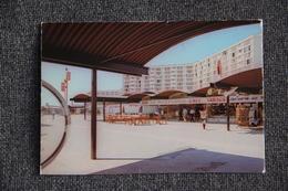MEAUX - Souvenir De La Cité BEAUVAL, Le Centre Commercial - Meaux