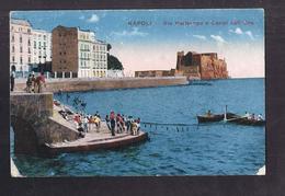 CPA ITALIE - NAPLES - NAPOLI - Via Partenope E Castel Call'Oro - TB PLAN Animaiton Scène De Pêche + TB TAMPON MILITAIRE - Napoli